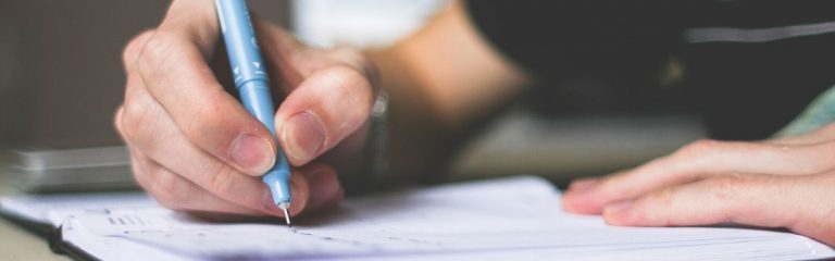 La UAE estableció recomendaciones para prácticas de enseñanza no presenciales