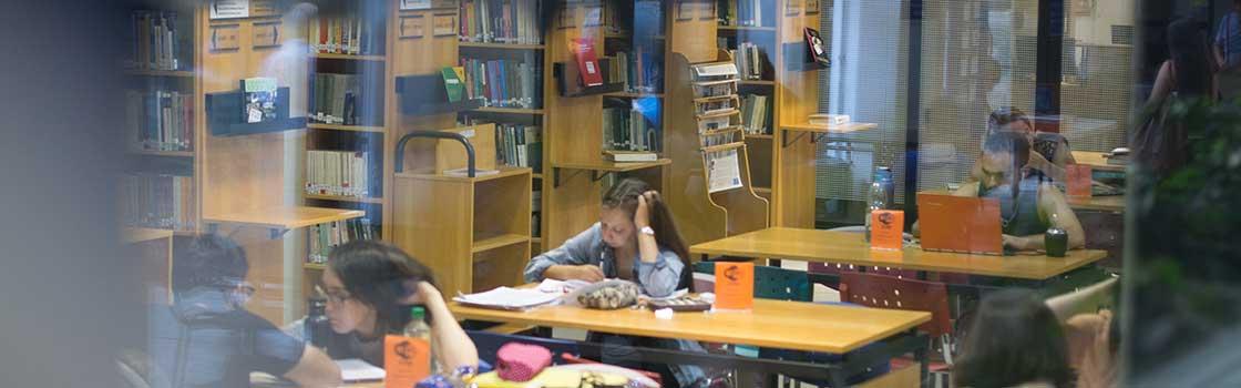 Compromiso de la Biblioteca con el usuario, con la profesión bibliotecológica y con la Facultad