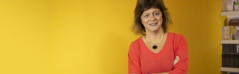 Reconocimiento académico internacional a la profesora Karina Batthyány